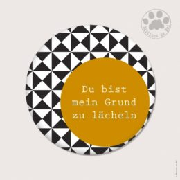 AH19 — Claire Hennen — Magnets ronds 5.6 cm English/German